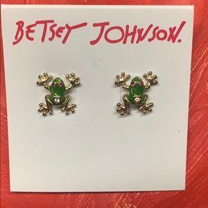 NWT Betsy Johnson frog stud earrings
